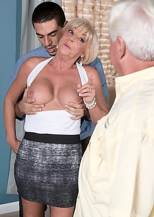Cuckold Porn Pictures